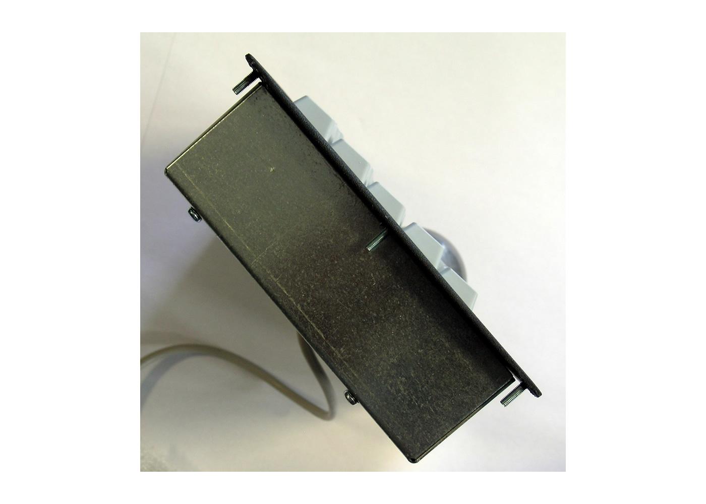 Clavier industriel 17 touches intégrable par l'avant avec trackball 50mm – Vue de coté