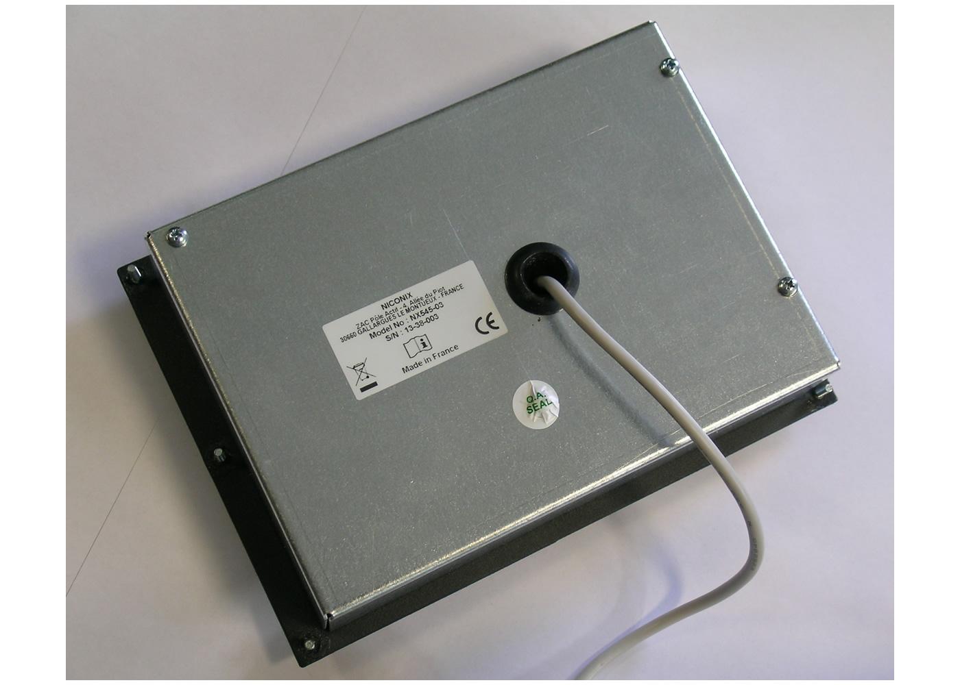 Clavier industriel 17 touches intégrable par l'avant avec trackball 50mm – Vue arrière