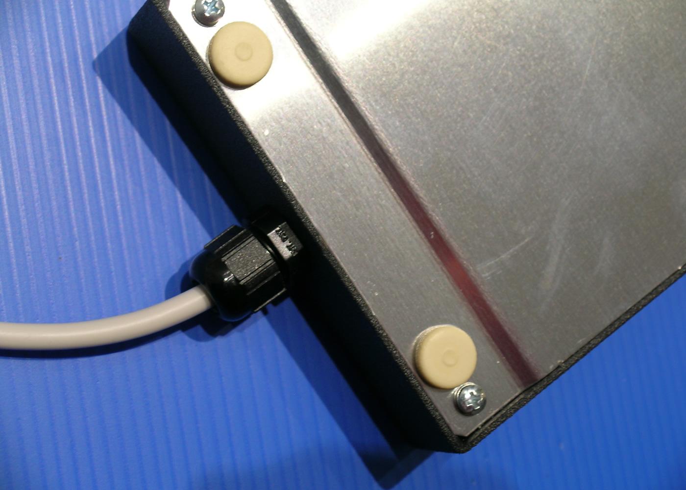 Trackball 38mm industrielle en boitier de table – Sortie cordon