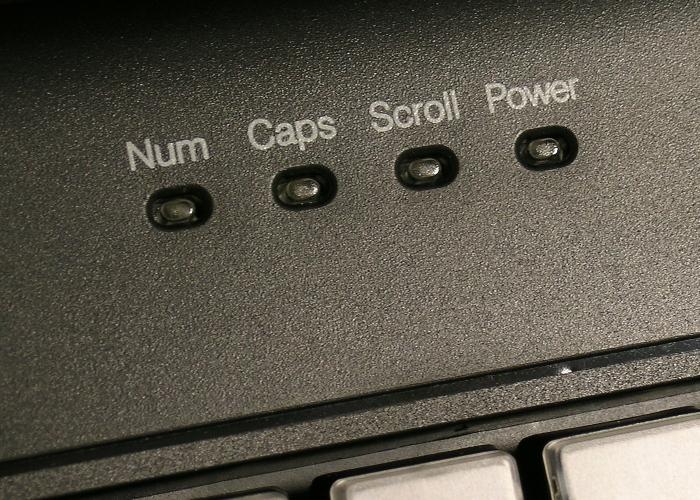 Clavier semi-industriel programmable en boitier de table – Voyants LEDs
