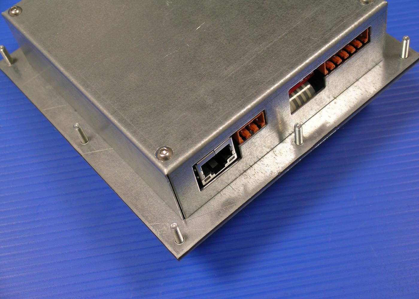 Terminal ASCII industriel 8 touches avec afficheur 4×20 caractères interface configurable RS232 / Ethernet