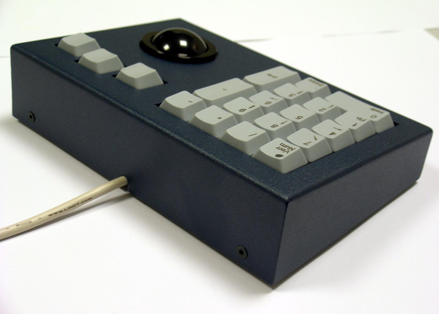 Clavier industriel 17 touches en boitier de table avec trackball 38mm