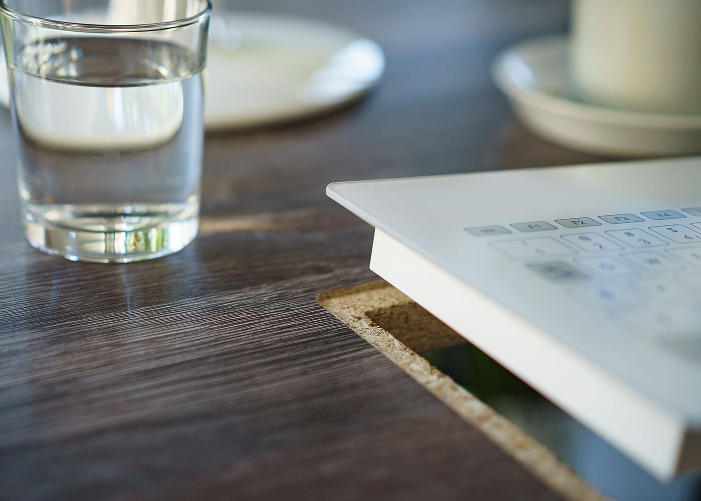 NX6000 : Clavier verre tactile intégrable en panneau