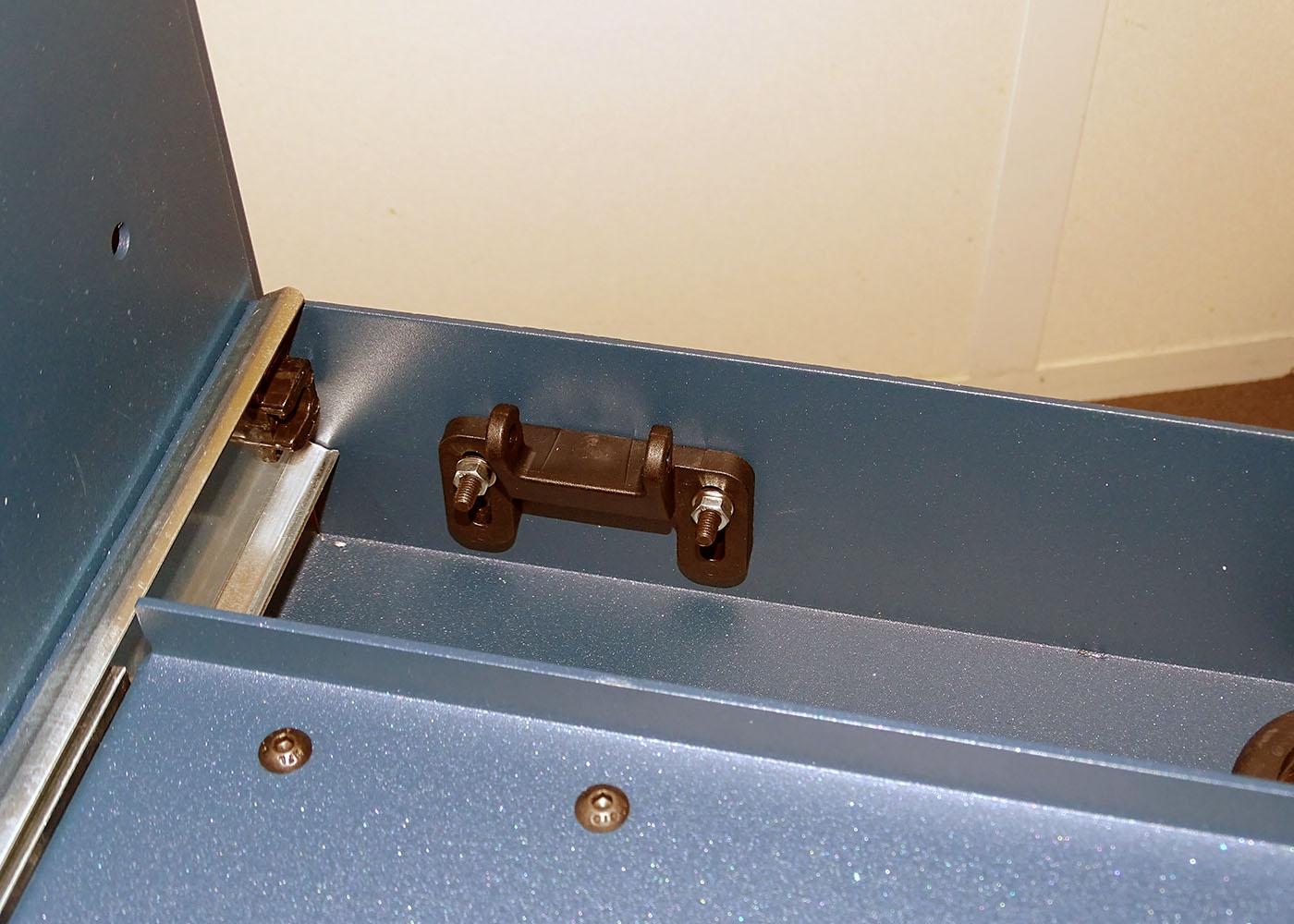 NX557 – Chariot mécano-soudé – Blocage plateau imprimante amovible