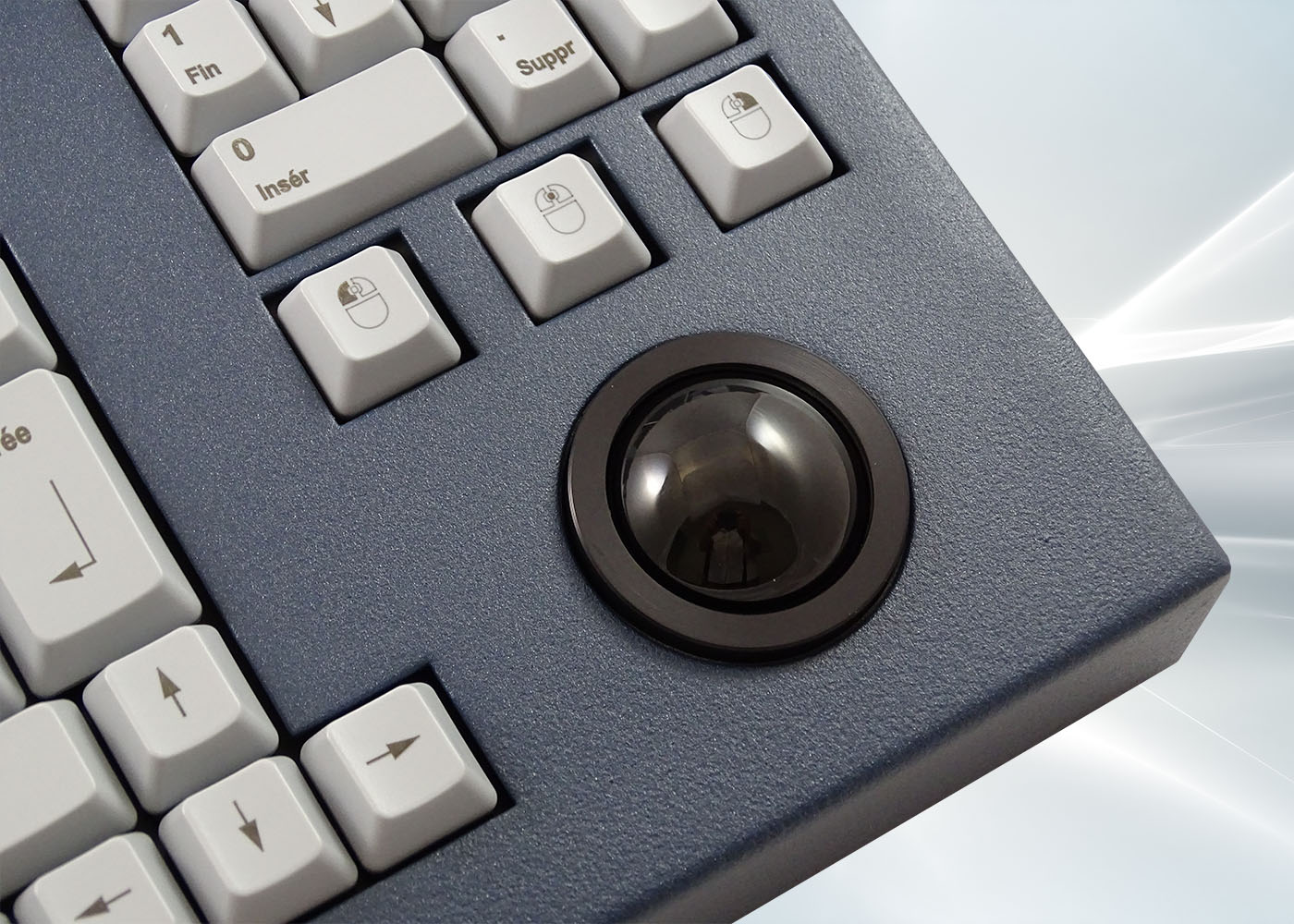 Clavier 105 touches en boîtier de table avec trackball 38 mm – détail trackball
