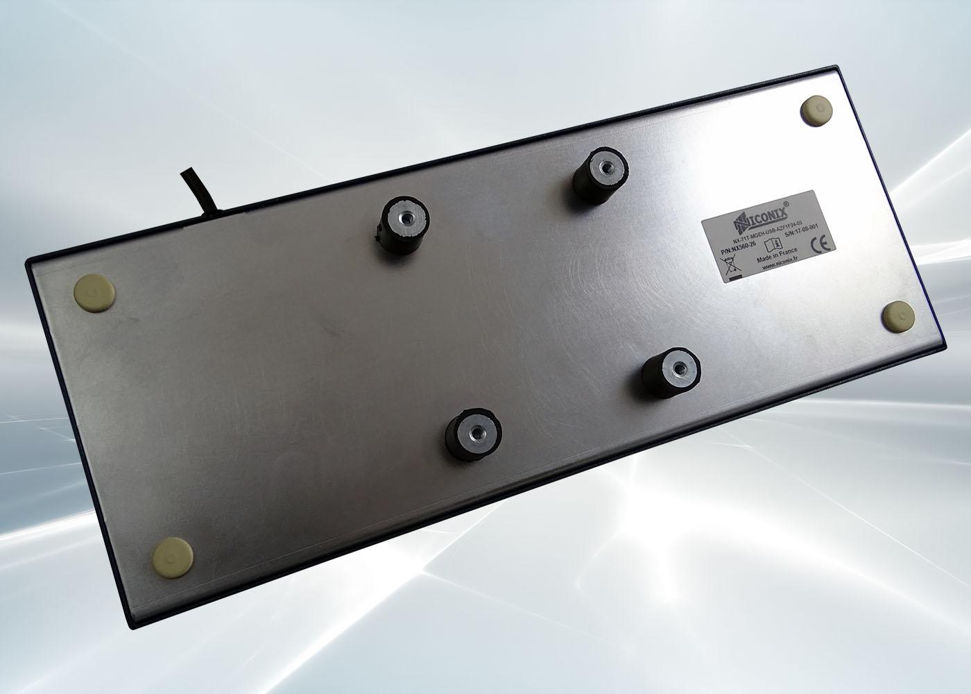 Clavier industriel 71 touches en boitier métallique de table étanche IP54 – Option silent bloc