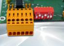 Terminal ASCII OEM RS232 / Ethernet avec afficheur OLED et gestion de 8 touches et 4 LEDs – Bornier interface RS232 et dipswitch