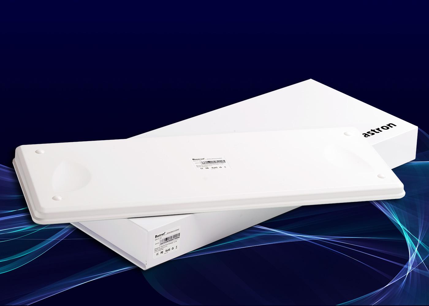 Clavier tactile B45 – Vue du fond posé sur écrin carton blanc